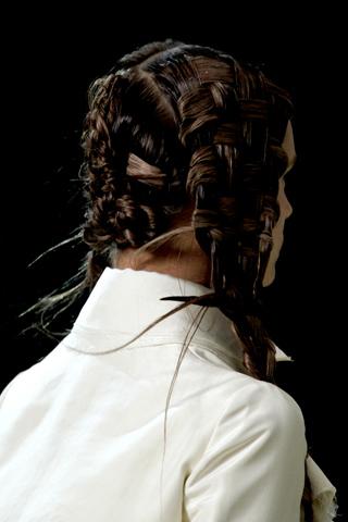 Alexander McQueen_Spring 2011_hair