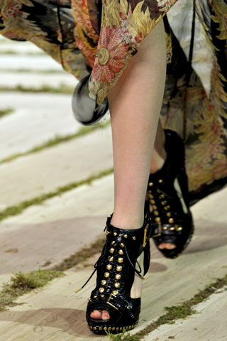 Alexander Mcqueen_Paris Fashion Week_Spring 2011_Shoes
