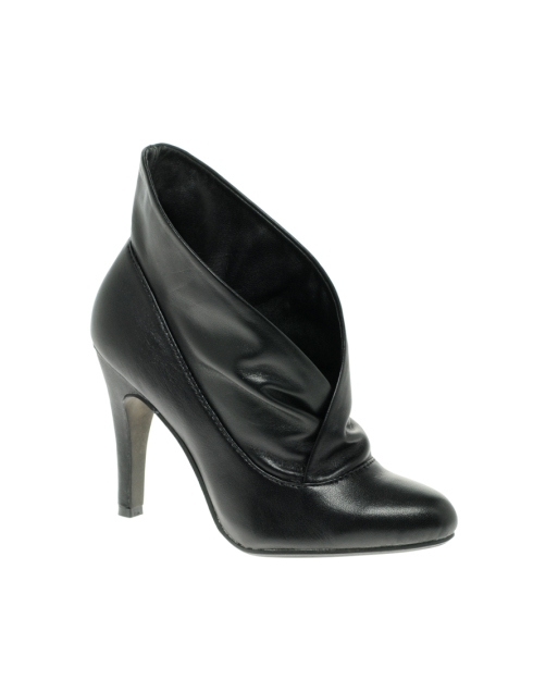 Report Annona Cuffed Heeled Ankle Boot