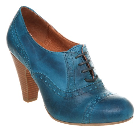 Heeled Brogues_office