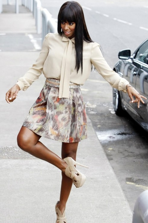Kelly-Rowland-X-Factor-4