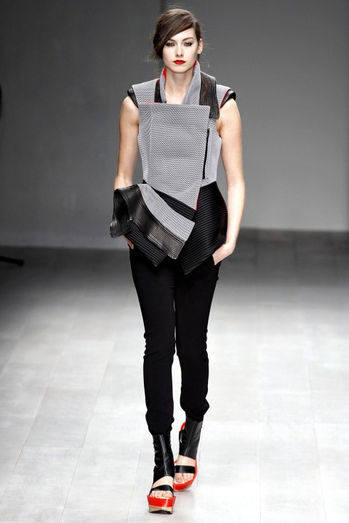 LFW_Fashion Fringe_Haizhen Wang_2