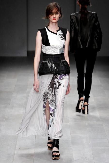 LFW_Fashion Fringe_Haizhen Wang_3b