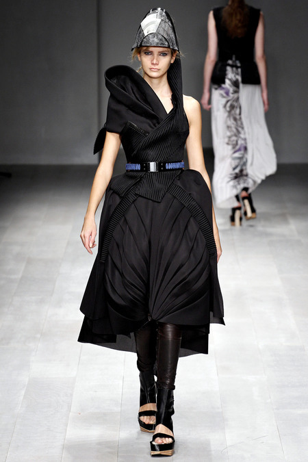 LFW_Fashion Fringe_Haizhen Wang_4